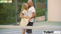 Симпотную теннисистку дрюкнули после игры